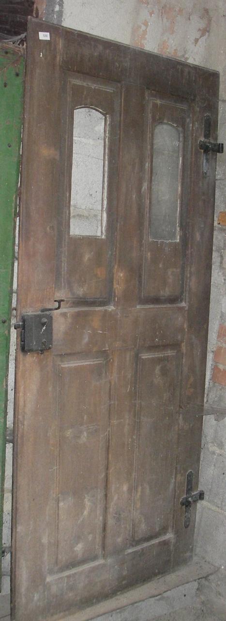 Wohnungstüre mit 2 Fenstern