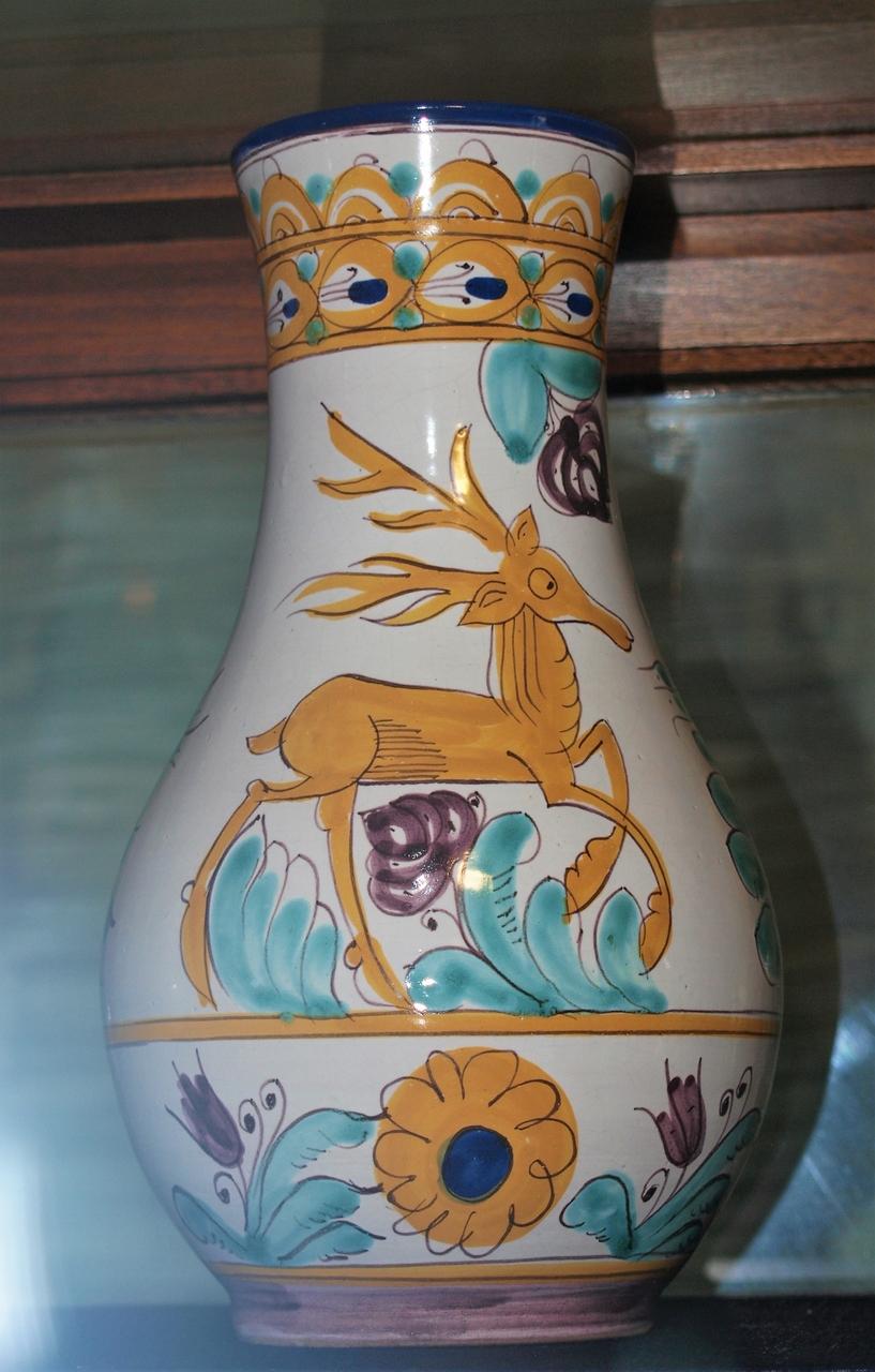 Vase mit Hirsch