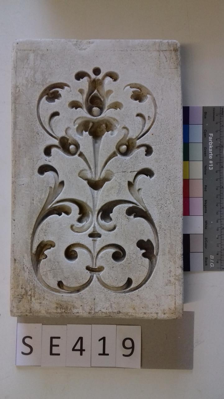 Negativform Detail Stängel mit Blättern und 3 Blüten