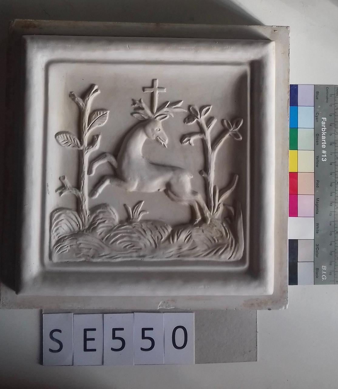 Mutterform Detail Hirsch mit Kreuz