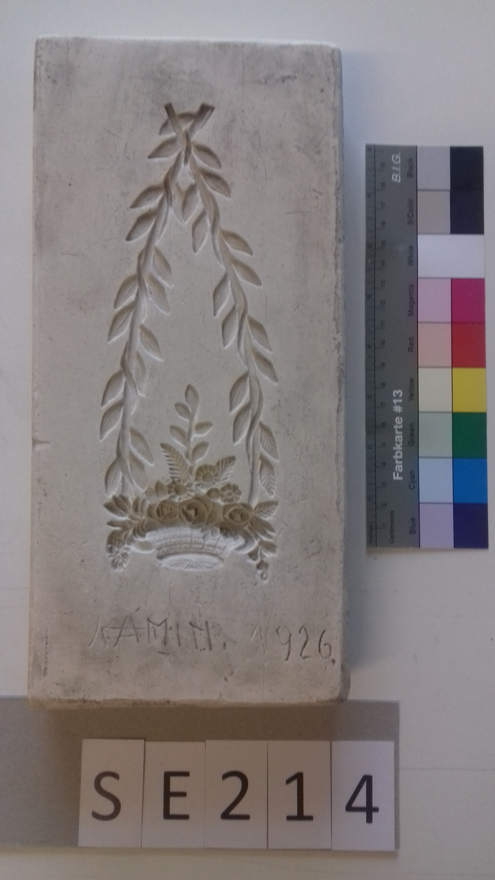 Negativform Detail Blumenbouquet mit Girlanden