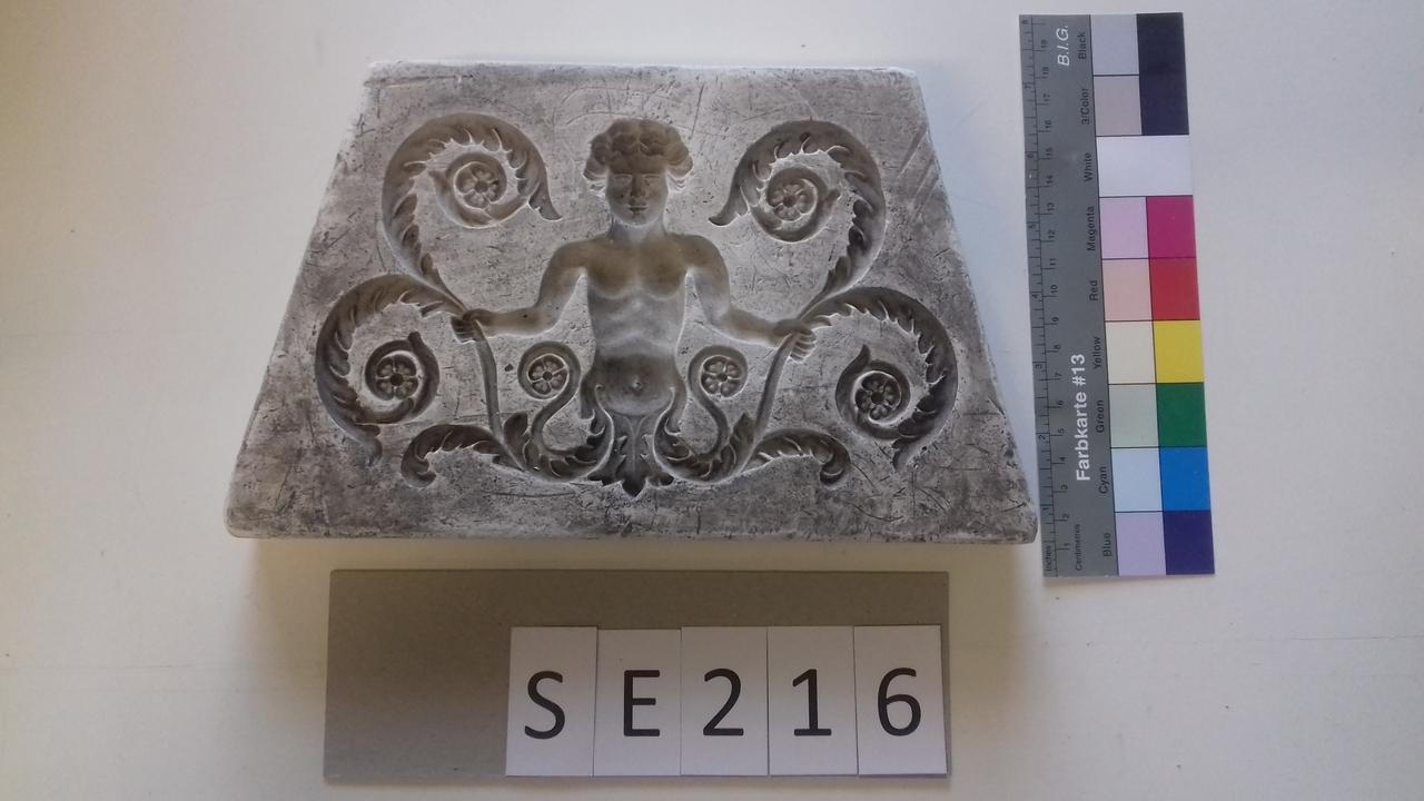 Negativform Detail Mann mit Akanthus