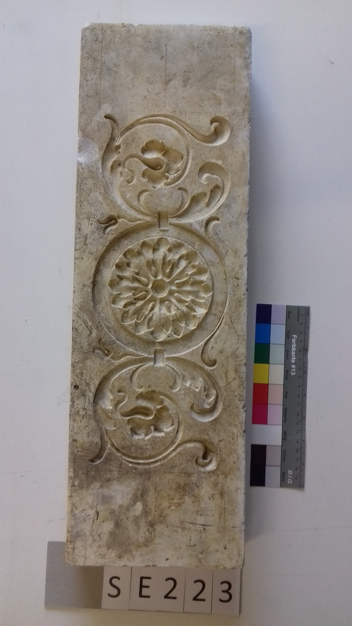Negativform Detail florales Muster