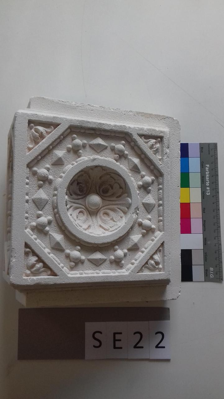Mutterform Eckkachel mit konvexer Halbkugelform / Perustab / geometrischen Mustern