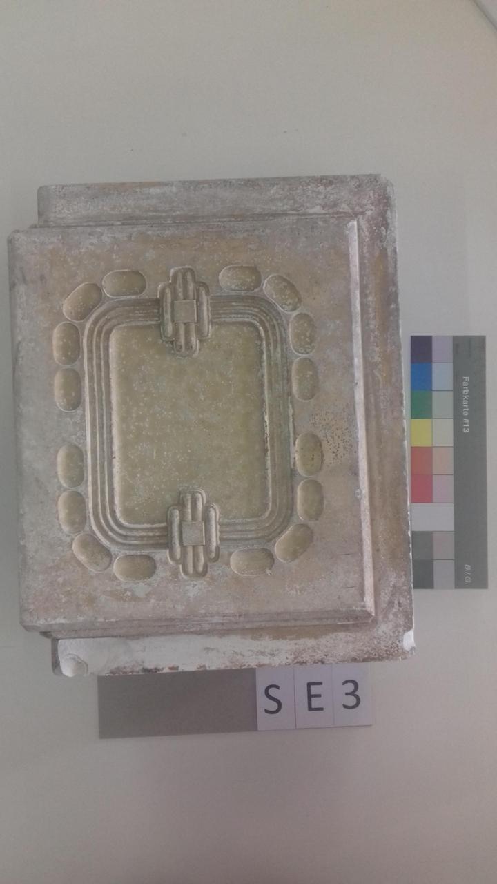 Mutterform Eckkachel mit quadratischem Muster