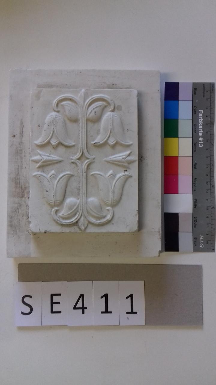 Mutterform ledige Kachel mit 4 hängenden Blüten