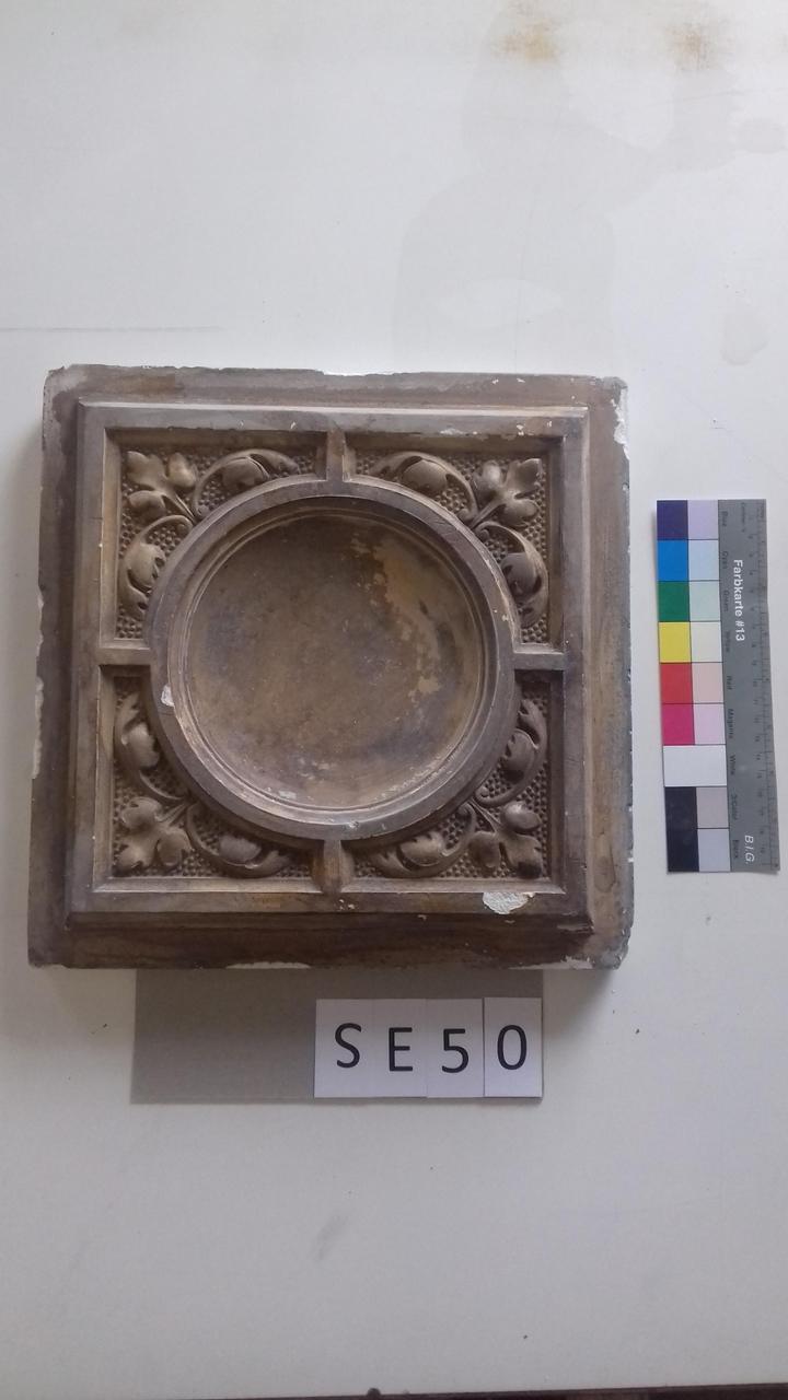 Mutterform ledige Kachel mit zentralem konvexem Kreis und Blättern
