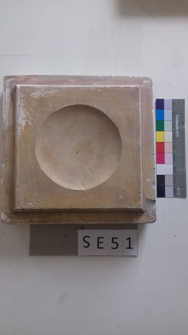 Mutterform ledige Kachel mit konvexem Kreis