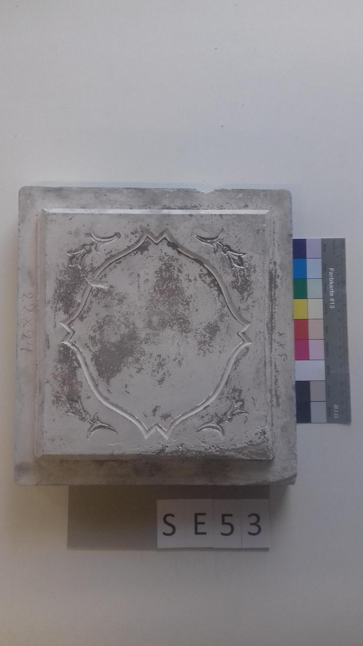 Mutterform ledige Kachel mit rautenhafter Form und 4 Blüten