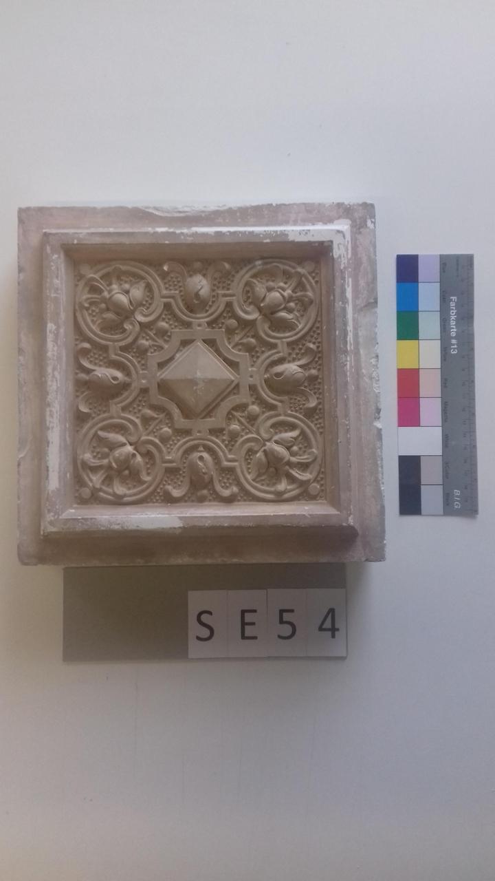 Mutterform ledige Kachel mit Raute in der Mitte und 8 Blüten