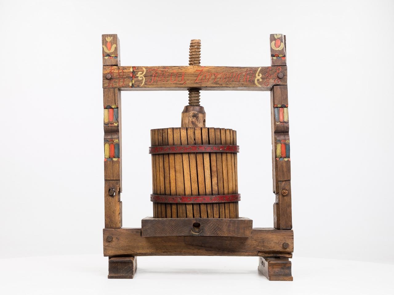 Vretenový vinohradnícky lis z roku 1886 - Spindel-Weinpresse von 1886